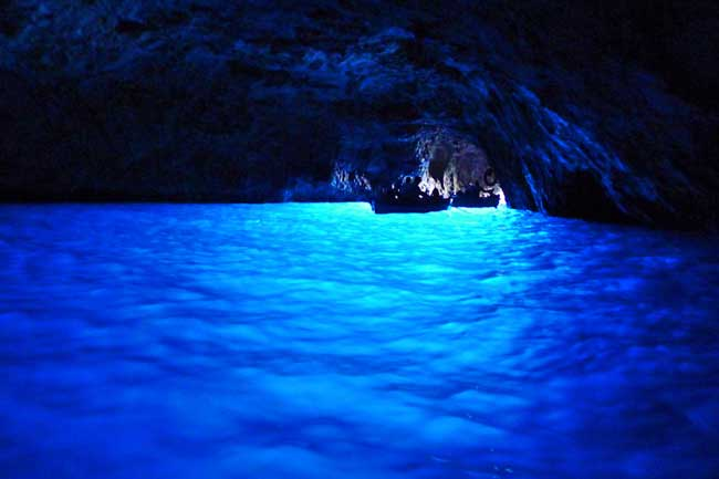 blue cave italy - オーストラリアからでも日本語で予約可能!セレブ御用達の高級海外リゾートに格安で行く方法