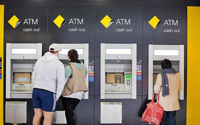 ATM - 海外旅行にぜひ持っておきたいトラベルマネーカードの安心と安全