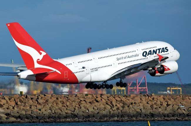 Qantas A380 650x430 - オーストラリア親子留学を自力で実現するために何をいつまでにすべきか