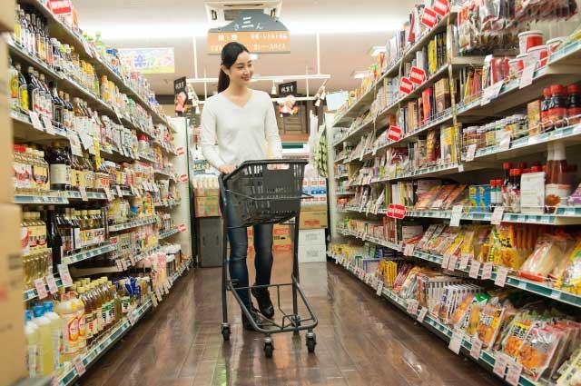 supermarket - 消費増税前に買うとお得なモノと今すぐ買う必要のないモノとは?