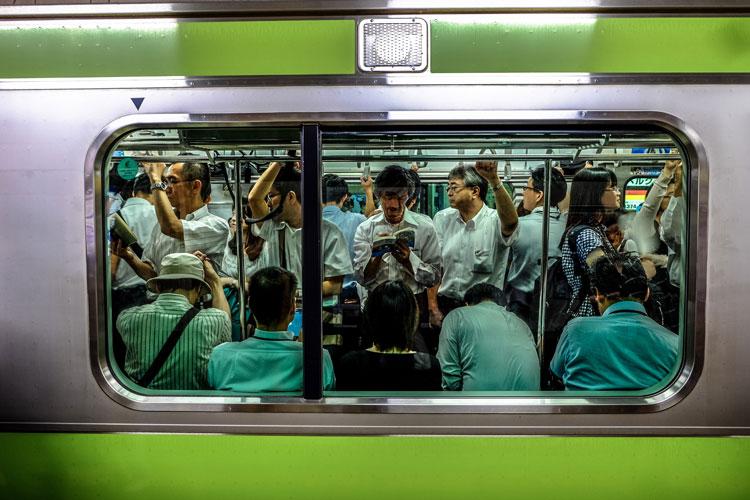 japan train - 今すぐ始められる意外な副業5選ー在宅勤務・テレワーク・海外在住者でもきっと稼げる!