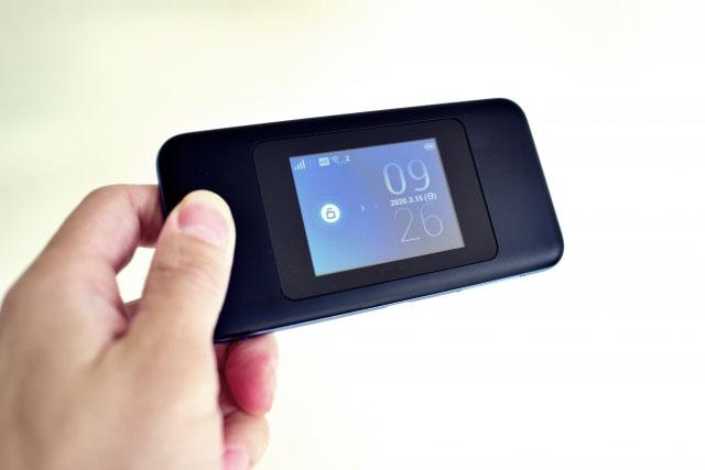 mobile wifi2 - 日本・海外でも使えるモバイルWiFiルーター6選 ー コロナ禍の今がお買い得なのはコレ!